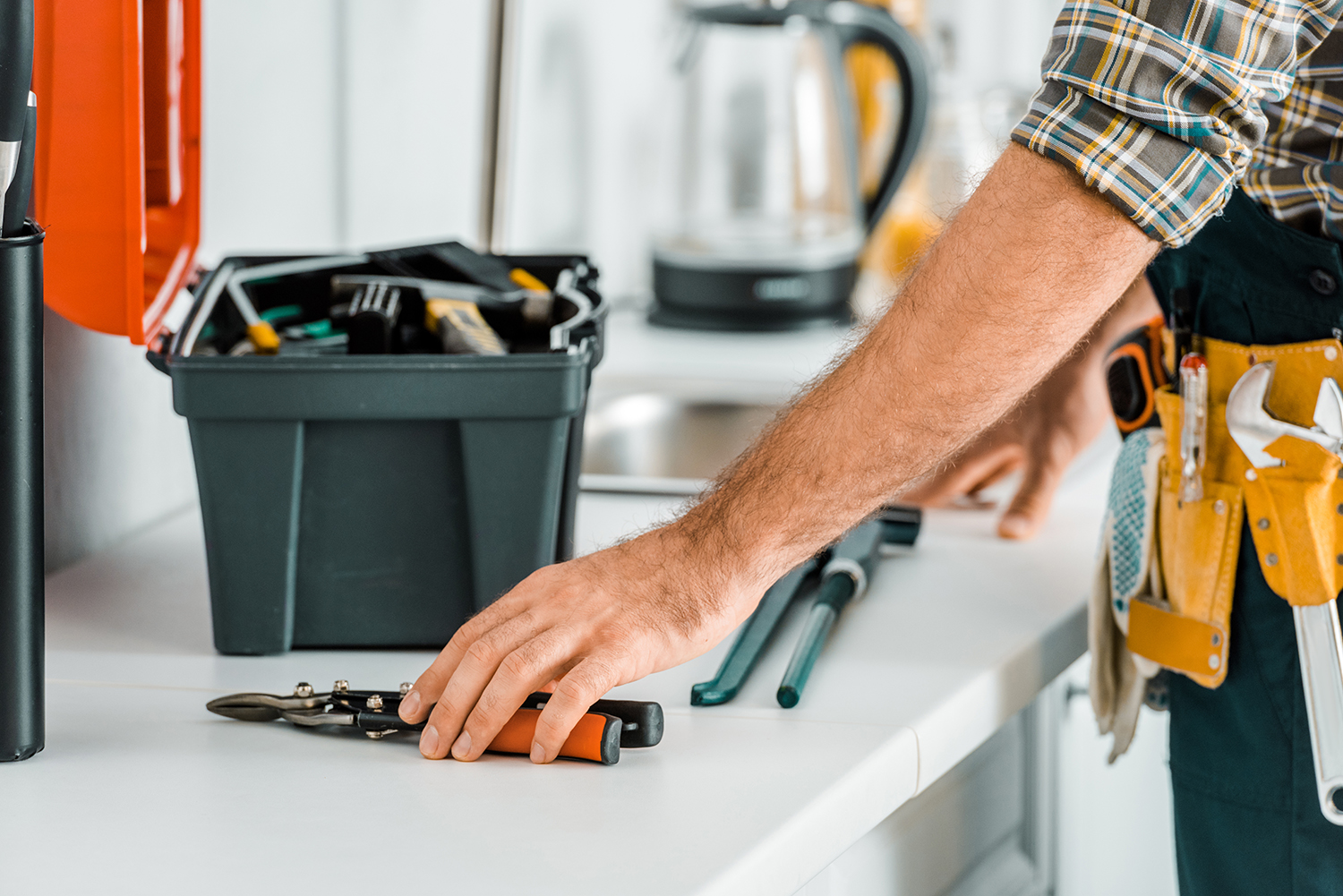 image of a maintenance toolbox - extended stay jobs